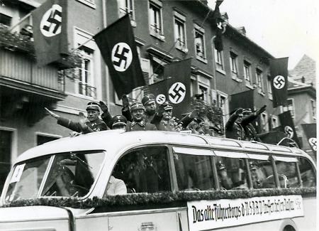 Fahrt des alten führerkorps durch bensheim 1936